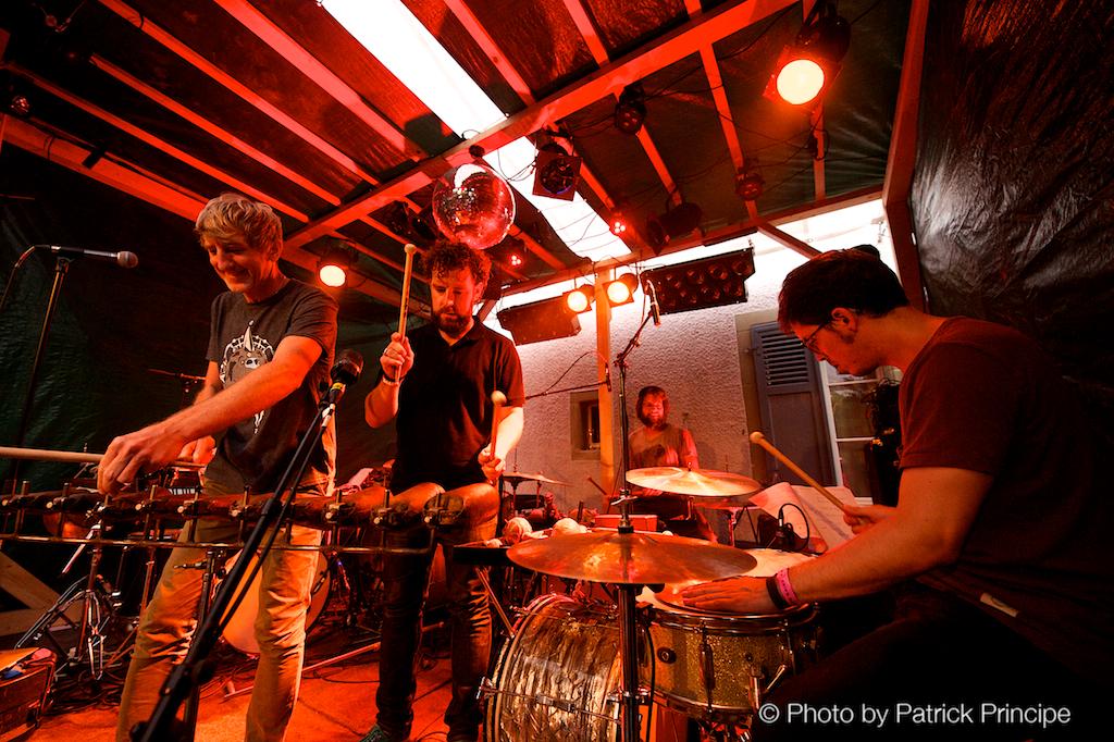 Merz feat. Julian Sartorius Drum Ensemble @ Gartenfestival, Café Kairo