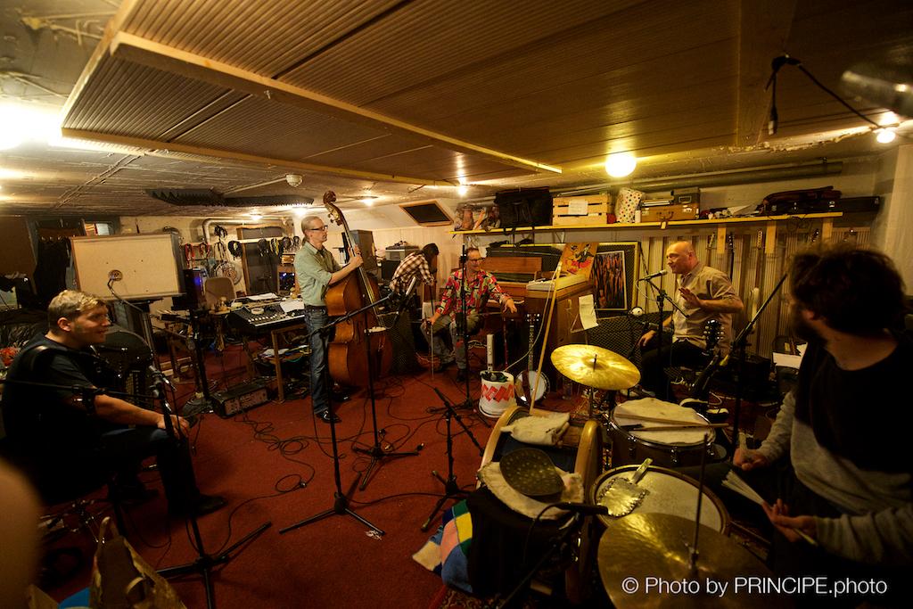 Reverend Beat-Man @ Shirts Off Studios Bern