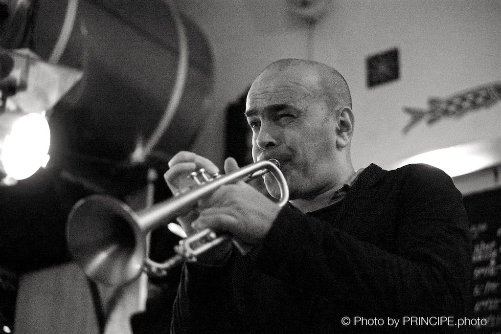 Martin Dahanukar @ Les Amis